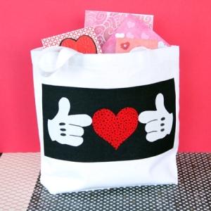 mickeys-valentine-tote-craft-photo-420x420-clittlefield-F